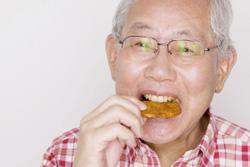 インプラント期間中の食事について